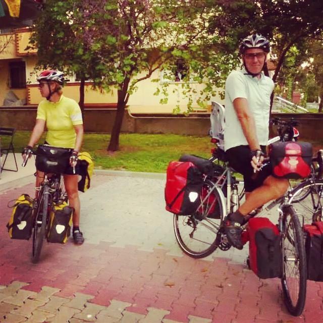 Esther&Warren geçen sene dükkanımızdaydı. :) 4 yıllık bisiklet yolculukları bitti.  estherwarren.wordpress.com
