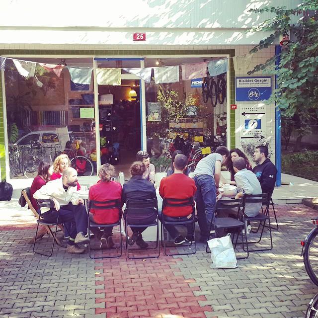 #Boğaziçi #Üniversitesi kahvaltıya geldi. :) #BUsiklet #boun #bisiklet #bicycle #bicycletour #touring #touringbicycle #gezgin #travel #traveller