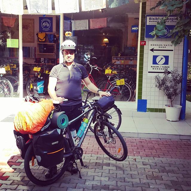 Haydi Alp kaçıyor! İyi yolculuklar! :) @ahmetcoka