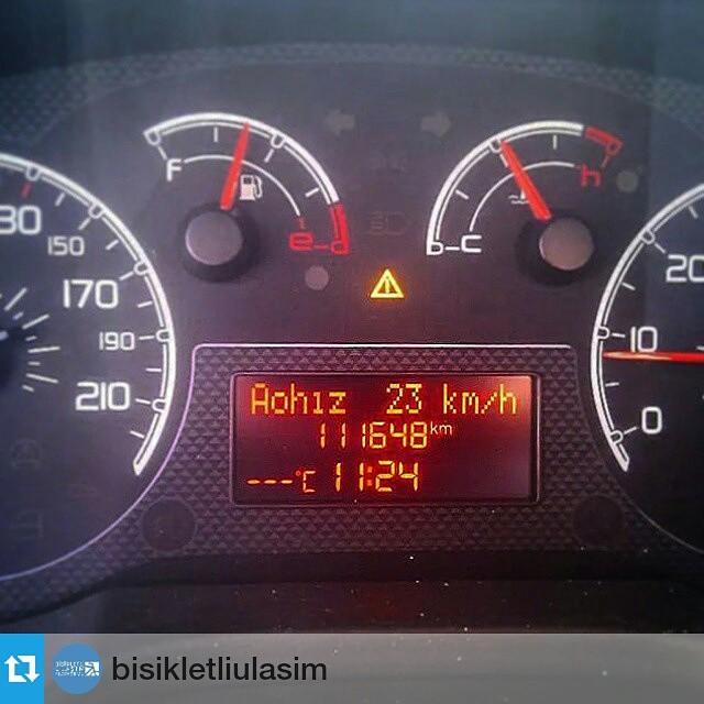 #Repost from @bisikletliulasim with @repostapp —  15 #eylul 18 #ekim arası #istanbultrafiği nde #otomobil ile yapılan #ölçüm , #sonuç #istanbul #trafik #hız #ortalama sı 23km/s. #arabadaninbisikletebin #bisikletliulasim #araba #car #automobile #monthly #average #speed #traffic #sharetheroad #yolupaylas #drivefriendly #keepdistance #bup #bisikletliulasimplatformu via Gökhan Birol