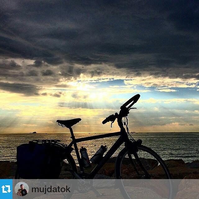 #Repost from @mujdatok with @repostapp —  #bike #biking #bisiklet #anıyakala #bestoftheday #bostancı #turkey #türkiye #instabike @bisiklet_gezgini #koga #kogabike #cycling #cloud #sky #igersmtb