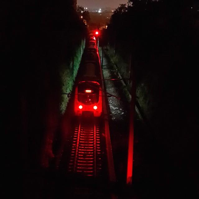 Dört gözle bekliyoruz trene kavuşmayı. Bisikletlerimizi trene atıp Sapanca'ya sakince gidebilmeyi.  #tren #ulaşım #bisiklet