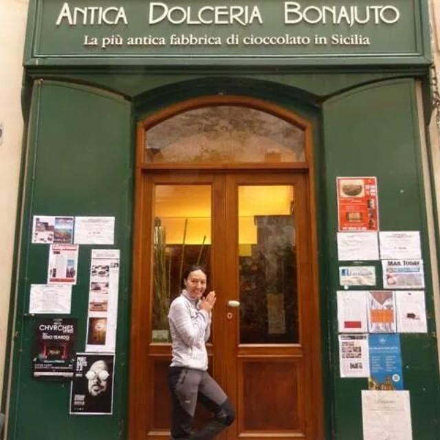 ... ve rüyalarım gerçek olur ... and my dreams come true... :) #girodisicilia #sicily #sicilia #Sicilya #italia #italya #italy #Modica #bonajuto #anticadolceriabonajuto #cioccolato #çikolata