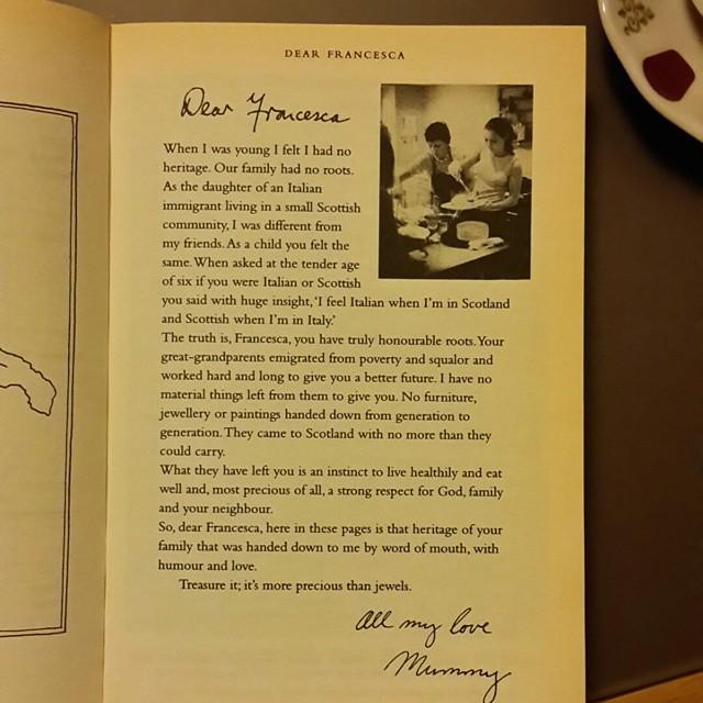 Sicilya değil ama eskiden Sicilya Krallığı altındaki Napoli civarında başlayan bir ailenin hikayesi  #Yemek #hayat #aşk #aile #kökler  #food #life #love #family #roots #eatwelllivewell  #MaryContini #DearFrancesca #book #kitap  @serrafine