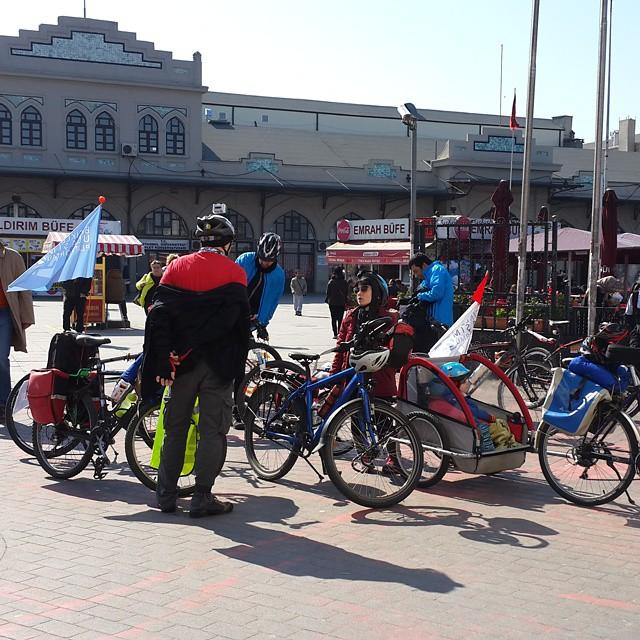 10:30 #Kadıköy #Eminönü vapuru #bisiklet dolu #Kağıthane yollarında güneşin tadını çıkaracağız  @bisikletliulasim